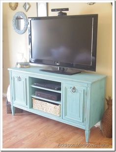 Do you already have ideas for your weekend project? How about replacing your old TV stand with a new one? You can make these DIY TV stand by yourself! Tv Furniture, Repurposed Furniture, Furniture Projects, Furniture Makeover, Home Projects, Painted Furniture, Luxury Furniture, Dresser Tv Stand, Dresser With Tv