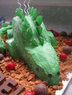 I volunteered to make my friend's boy's birthday cake- any excuse as far as I'm concerned. Dinosaur Cake, Dinosaur Birthday, 2 Birthday Cake, Birthday Ideas, Gabriel, Cakes, Food, Kids Part, Fiestas