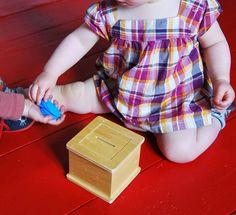 Merci qui ? MERCI MONTESSORI !: FAQ : Quelles activités pour mon bébé de 12 mois ?