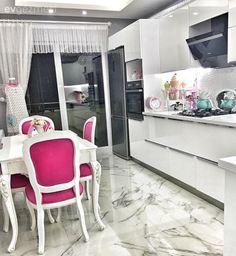 Beyaz mutfak, Fuşya, Modern mutfak, Mutfak, Mutfak masası