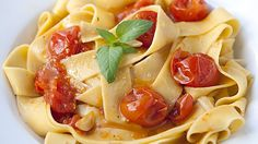 Roasted tomato pasta -- so easy and delicious.