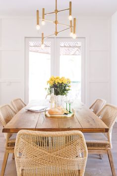 Holly Leaf Nook - Beach Style - San Diego - by Savvy Interiors Dining Set, Dining Rooms, Dining Table, Good China, Holly Leaf, Accent Lighting, Nook, Modern Farmhouse, San Diego
