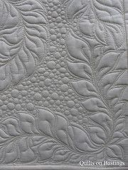 Just Leaf It machine quilting. Wish I could free motion quilt like this Patchwork Quilting, Quilt Stitching, Longarm Quilting, Free Motion Quilting, Modern Quilting, Quilting Tutorials, Quilting Projects, Quilting Ideas, Quilting Templates