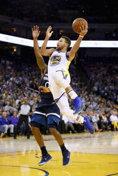 e0a854110e39 Stephen Curry of the Golden State Warriors drives on Jeff Teague of the Minnesota  Timberwolves at
