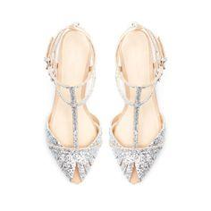 Bodas una Imagen, un Escaparate: Zapatos para una boda en la playa.