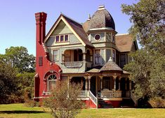Calvert Texas George F. Barber designed Parish House Inn. It is one of two George Franklin Barber designed houses in Calvert both on Gregg St. This view shows the talent of Geo. Barber (Knoxville, TN mail order architect in the 1890s) in making a house he designed look picturesque from any angle