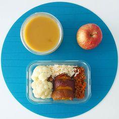 Bom dia! Espero que o feriado tenha sido muito bem aproveitado  Aqui vai o meu almoço de hoje: batata-doce lentilhas arroz e couve-flor  Tenham um bom dia!