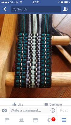 Inkle Weaving Patterns, Loom Weaving, Loom Patterns, Card Weaving, Tablet Weaving, Finger Weaving, Mochila Crochet, Medieval Crafts, Types Of Weaving