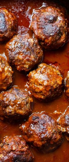 Braised Meatballs in Red Wine Gravy - Extra-large and tender beef meatballs are cooked in a full-bodied wine sauce. The wine-sauce is fairly thick and acts as a wonderful gravy for the mashed potatoes. beef meatballs Braised Meatballs in Red Wine Gravy Meatball Recipes, Meat Recipes, Wine Recipes, Cooking Recipes, Recipies, Red Wine Gravy, Southern Kitchens, Comida Latina, Wine Sauce