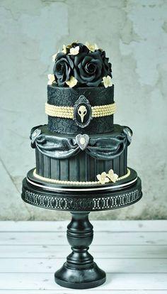 Sweetlake Cakes; Dramatically Gorgeous Wedding Cakes
