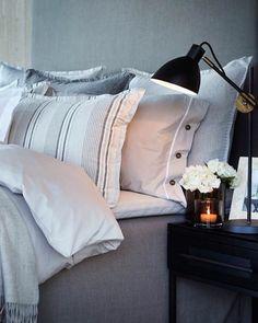 Av og til må man sove litt også i sommernatta. Velg eksklusivt sengetøy, lette dyner og en komfortabel madrass så sover du ekstra godt. #slettvoll