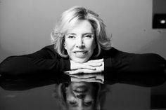 ♊ Marília Gabriela, 31 de maio de 1948. Jornalista, entrevistadora, atriz, apresentadora de televisão, e escritora brasileira. ♊