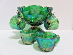 VINTAGE GREEN CARNIVAL GLASS STRAWBERRY MINIATURE CHILDS PUNCH BOWL SET 6 CUPS