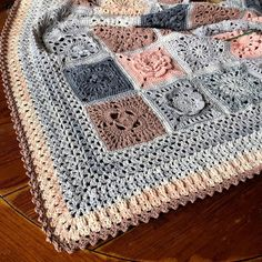 Crochet Borders 2018 VVCAL Border Edging - 2018 VVCAL BLANKET This 20 page popular crochet PDF includes 35 granny square patterns plus joining method and wide lace border that will fit any blanket size. Great to make as a wedding gift. Manta Crochet, Crochet Granny, Crochet Motif, Crochet Yarn, Easy Crochet, Free Crochet, Crochet Edgings, Crochet Shawl, Joining Crochet Squares