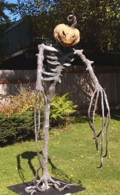 so i need to make some really scary halloween decorations - Scary Homemade Halloween Decorations Yard