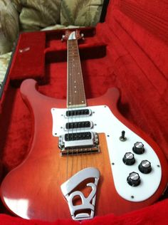 Model 483 Rickenbacker Guitar, Rare Guitars, Music Pics, Electric Guitars, Cool Guitar, Pond, Lust, Musicians, Music Instruments