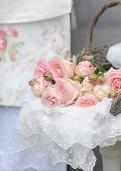 pink roses | ❦ Rose Cottage ❦ | Pinterest)