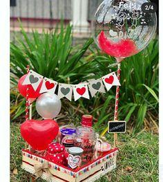 Balloon Decorations, Birthday Decorations, Diy Birthday, Birthday Gifts, Birthday Surprise For Husband, Valentine Baskets, Work Anniversary, Gift Bouquet, Balloon Gift