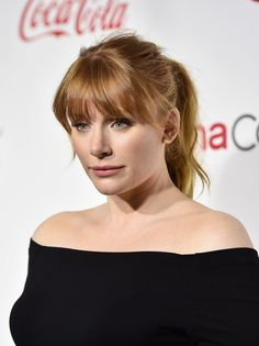 Bryce Dallas Howard Ponytail - Bryce Dallas Howard kept it youthful and stylish with this messy ponytail with eye-grazing bangs at the CinemaCon Big Screen Achievement Awards. Bryce Dallas Howard, Redhead Hairstyles, Ponytail Hairstyles, Hairstyles With Bangs, Fringe Hairstyles, Updo Hairstyle, Prom Hairstyles, Messy Ponytail, Bangs With Ponytail