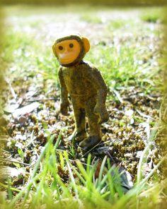 """Playmobil, unser aller Urahnin, gefunden 1974 in Äthiopien, sie lebte  vor 3,8 bis 2,9 Millionen Jahre, benannt nach dem Beatles Song """"Lucy in the sky with diamonds"""""""