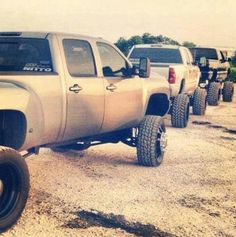 Rednecks do it better! Chevy Durmax yes please Lifted Chevy Trucks, Gm Trucks, Diesel Trucks, Cool Trucks, Mudding Trucks, Dodge Diesel, Dodge Cummins, Chevy C10, Chevy Pickups