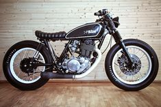 Cafe racers, scramblers, street trackers, vintage bikes and much more. The best garage for special motorcycles and cafe racers. Suzuki Cafe Racer, Cafe Racers, Inazuma Cafe Racer, Cafe Bike, Cafe Racer Bikes, Cafe Racer Motorcycle, Motorcycle Art, Women Motorcycle, Motorcycle Quotes