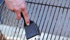 Comment bien nettoyer la grille de votre barbecue ? - Côté Maison