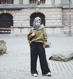 Style Hijab Remaja Kurus 58 Ideas For 2019 Casual Hijab Outfit, Hijab Chic, Casual Outfits, Fashion Outfits, Ootd Hijab, Outfit Essentials, Street Hijab Fashion, Muslim Fashion, Hijab Teen