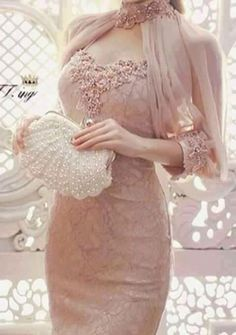 Pin by Oum Kenz♡ on Caftan & Badroune in 2019 Stylish Dresses, Elegant Dresses, Indian Fashion Dresses, Fashion Outfits, Bridal Dresses, Prom Dresses, Classy Dress, Beautiful Gowns, Traditional Dresses
