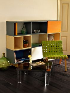 Mid century modern dollhouse furniture - Miniature furniture can turn a doll house into a more realistic copy of larger homes. Modern Dollhouse Furniture, Tiny Furniture, Barbie Furniture, Miniature Furniture, Modern Furniture, Barbie Room, Barbie House, Custom Dolls, Home Accessories