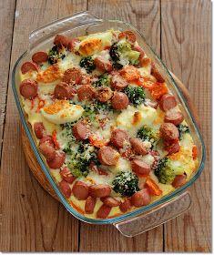 Gizi-receptjei. Várok mindenkit.: Brokkoli tojással és virslivel csőben sütve.