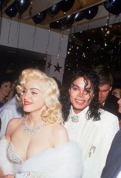 History Discover Madonna and Michael Jackson at the Academy Awards Premium Photographic Print Musik Madona La Madone Paris Jackson Lisa Marie Presley Jackson Family We Are The World Janet Jackson The Jacksons 80s Musik, Madona, La Madone, Lisa Marie Presley, The Jacksons, We Are The World, Janet Jackson, Music Icon, Academy Awards