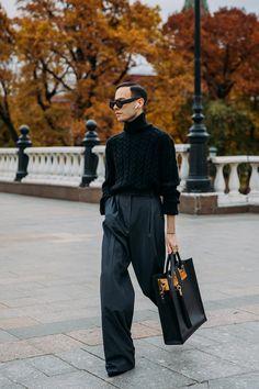 High Fashion Men, Paris Fashion, Mens Fashion, Fashion Images, Fashion Photo, Bjork, Casual Outfits, Fashion Outfits, Photography Poses For Men