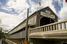The town of Hartland is the home to the world's longest covered bridge. Built in 1901, the bridge spans the St. John river at a distance of 1,282 feet (391 metres).