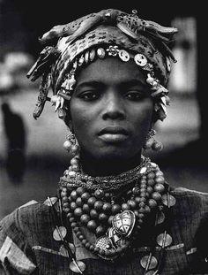 MARIO DE BIASI (B. 1923) Costa d'Avorio (Ivory Coast), 1970