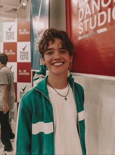 ✨The Starbucks boy✨ Noah Urrea Boys Like, Cute Boys, Pretty Boys, How To Look Pretty, Surfer Boys, Noah Urrea, Love Of My Life, My Love, Jessica Chastain