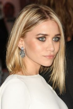 SEXY LE CARRÉ PLONGEANT ? Le carré plongeant long d'Ashley Olsen