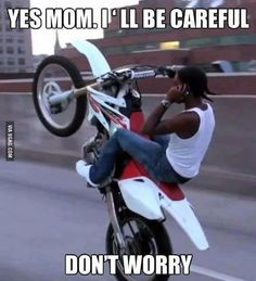 Are you a crazy biker who just love to spend hours riding on your motorcycle? Check out these funny motorcycle quotes; you are surely gonna love them. Funny Shit, Funny Car Memes, Car Humor, Funny Mems, Fun Funny, Driving Humor, Boys Humor, Daily Funny, Memes Humor