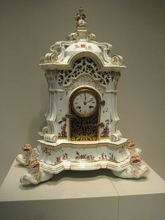 #Meissen  --  Clock  --  1727-30  --  No further reference provided.