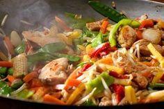 Knackiges Wok-Gemüse mit Huhn