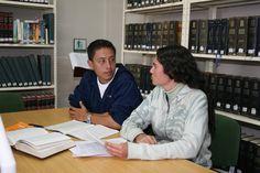 Programas de tutorías para el acompañamiento académico.