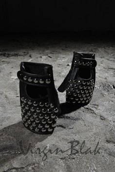 Round Studded Fingerless Leather Gloves 8TO $26.99http://www.virginblak.com/accessories/8to.html