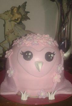 Cute owl themed cake - cake by Emily Lovett