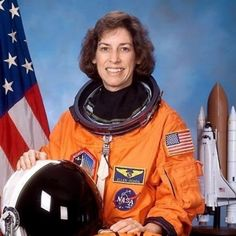 """""""Ellen Ochoa was the first Hispanic female astronaut, and is also a research scientist for NASA. Her invention patented in 1987, can be used for quality control in the manufacturing of various intricate parts. Ochoa later patented an optical system which can be used to robotically manufacture goods or in robotic guiding systems."""" #stemwomen"""