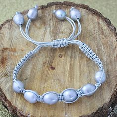 Macrame Cord Hand-knotted FW Pearl Bracelet                                                                                                                                                                                 Plus