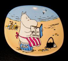 Aikuiskoulutusta / Adult education Moomin Mugs, Tove Jansson, Miffy, Plates On Wall, Fairy Tales, Education, Fairies, Training, Patterns