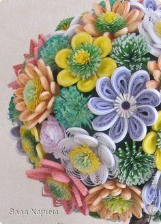Поделка изделие Бумагопластика Квиллинг цветочное дерево Бумага Бумажные полосы Бусины Листья Ткань фото 2