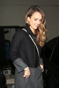 Jessica Alba's hair... to go ombre or to not go ombre