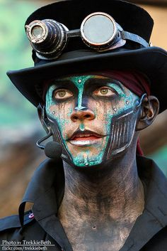 Men's Steampunk makeup for costumes or cosplay or halloween. Cyberpunk style robot with bright blue face paint and metal jaw. Steampunk Cosplay, Steampunk Makeup, Steampunk Kunst, Mode Steampunk, Style Steampunk, Steampunk Halloween, Steampunk Gadgets, Steampunk Clothing, Steampunk Fashion
