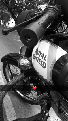 Royal Enfield Hd Wallpapers, Moto Wallpapers, Dark Phone Wallpapers, Dark Wallpaper Iphone, Summer Instagram Pictures, Instagram Dp, Good Instagram Captions, Royal Enfield Classic 350cc, Driving Pictures